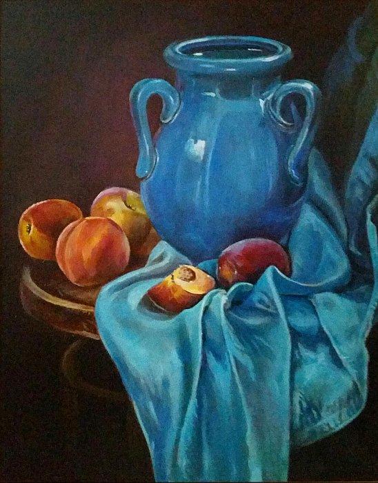 Кувшин и персики