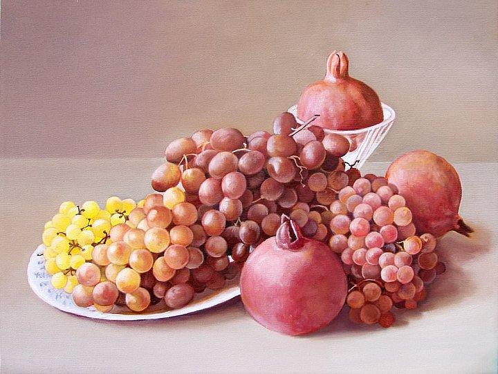 Три граната и виноград