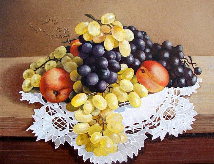 Виноград и нектарины