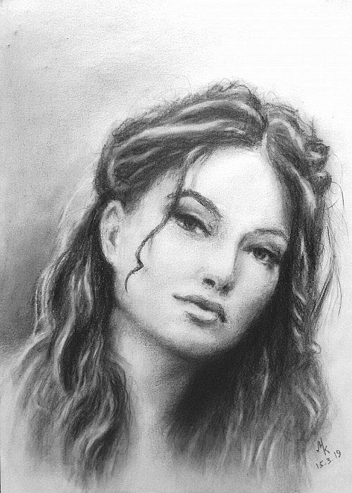 Портрет девушки. Карандаш