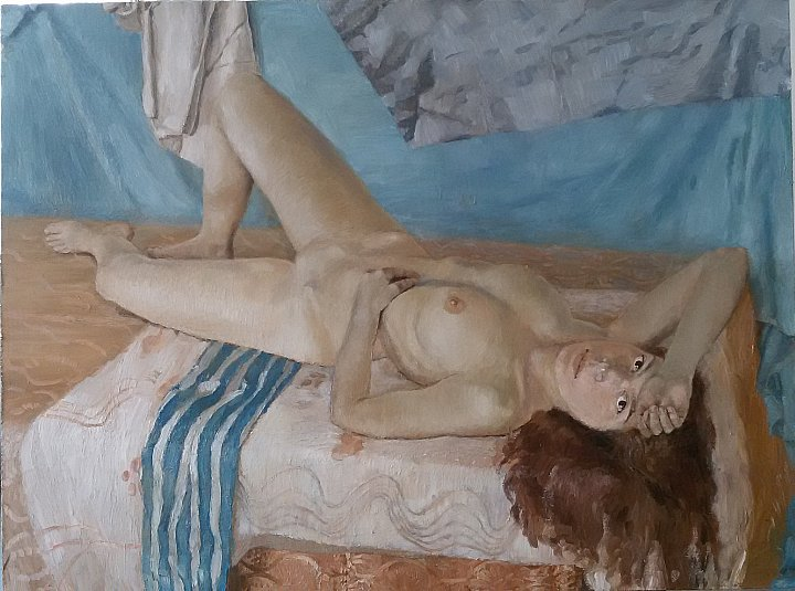Nude, morning